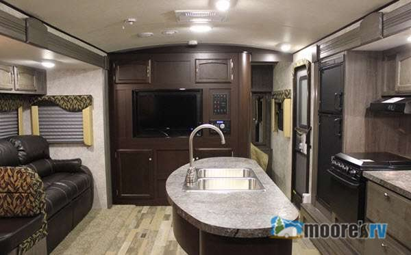 Winnbago Ultralite Travel Trailer Interior