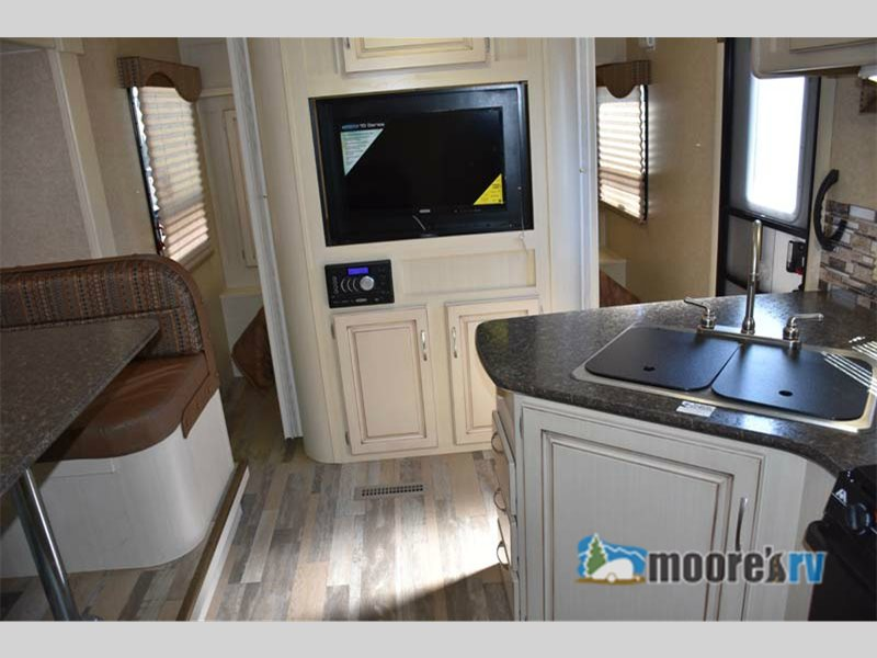 Winnebago Minnie Travel Trailer Interior