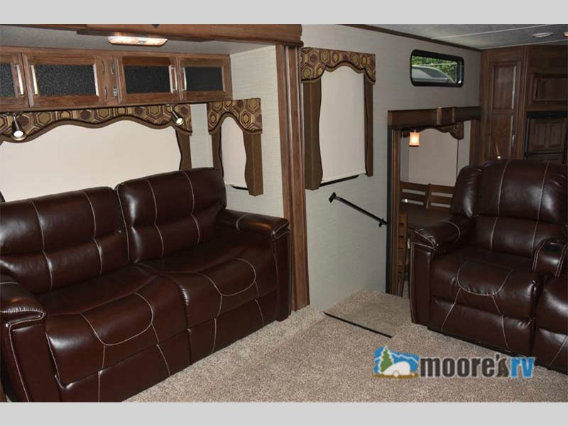 Keystone Cougar 326RDS Fifth Wheel