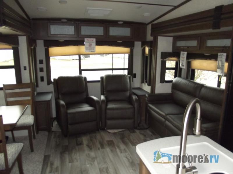 Keystone Cougar Half Ton Fifth Wheel Living